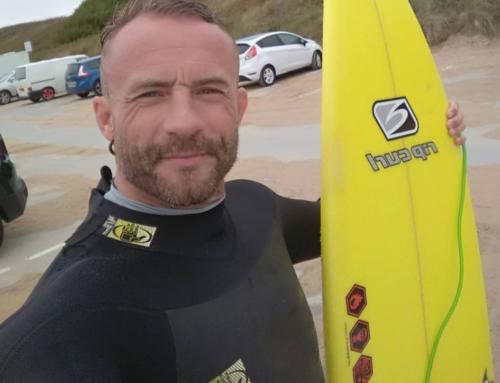 Surfista inglese, arrestato a Bali per possesso di THC, rischia la condanna a morte